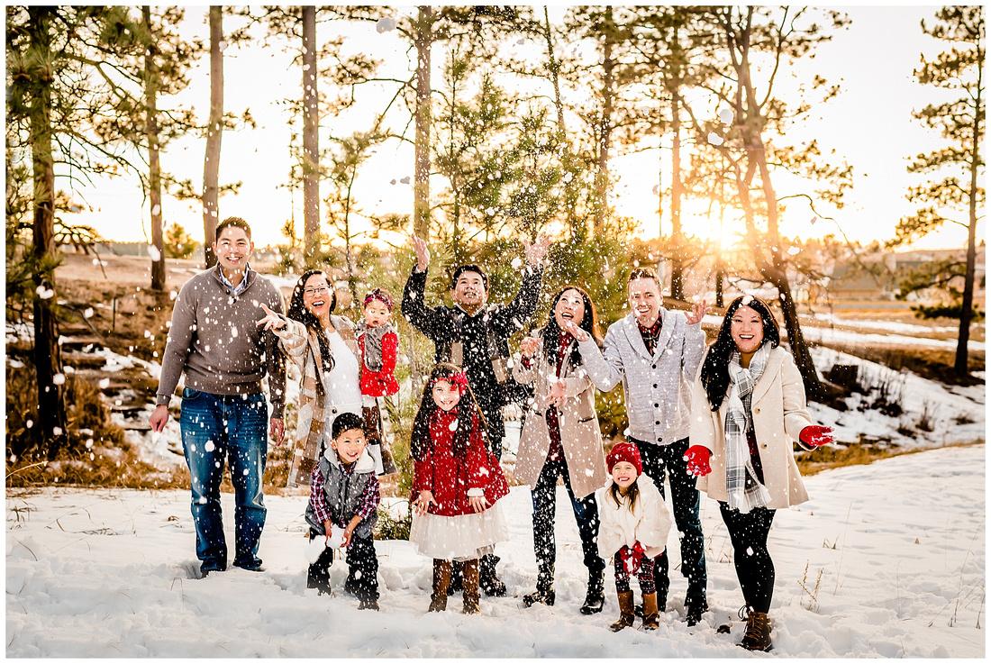 Extended family winter photos in Elbert County, Colorado